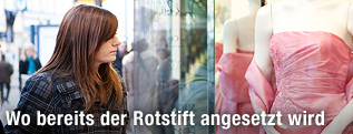 http://www.orf.at/static/images/site/news/20111252/umfrage_geld_ausgeben_schaufenster_2q_innen_juh.2117174.jpg